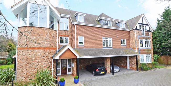 £1,500 per Calendar Month, 2 Bedroom Flat To Rent in Esher, KT10