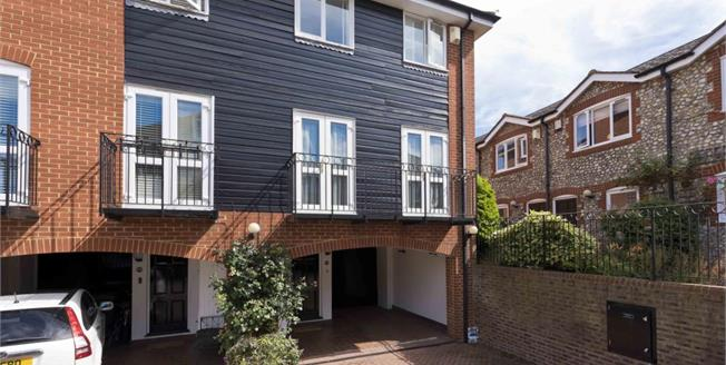 £1,950 per Calendar Month, 3 Bedroom End of Terrace House To Rent in Thames Ditton, KT7