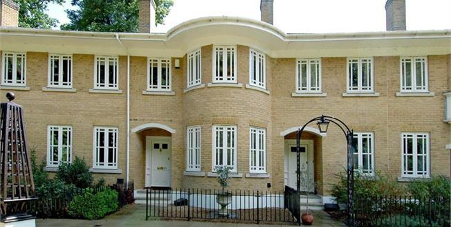 £2,500 per Calendar Month, 4 Bedroom Terraced House To Rent in Weybridge, KT13