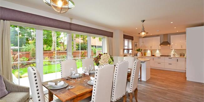 £3,950 per Calendar Month, 4 Bedroom Detached House To Rent in Walton on Thames, KT12