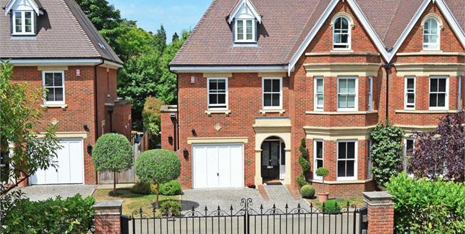 £5,950 per Calendar Month, 6 Bedroom Semi Detached House To Rent in Weybridge, KT13