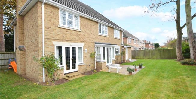 £3,500 per Calendar Month, 5 Bedroom Detached House To Rent in Weybridge, KT13