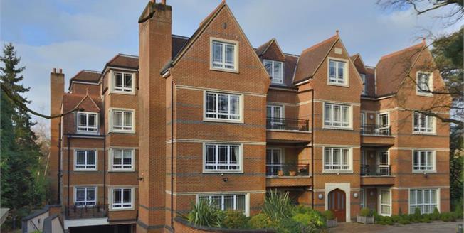 £3,000 per Calendar Month, 2 Bedroom Flat To Rent in Weybridge, KT13