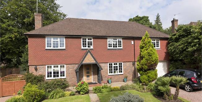 £5,950 per Calendar Month, 5 Bedroom Detached House To Rent in Weybridge, KT13