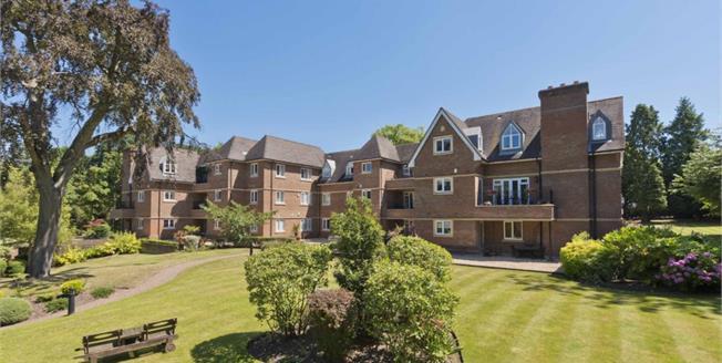 £2,300 per Calendar Month, 3 Bedroom Flat To Rent in Weybridge, KT13
