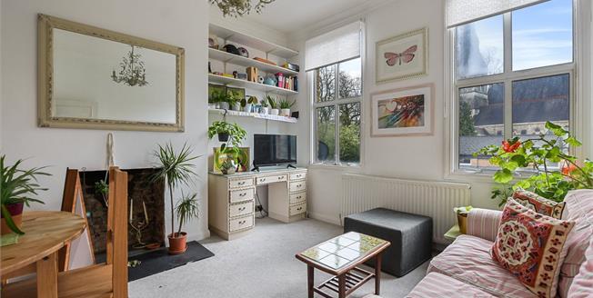 Asking Price £475,000, 2 Bedroom Flat For Sale in London, N8