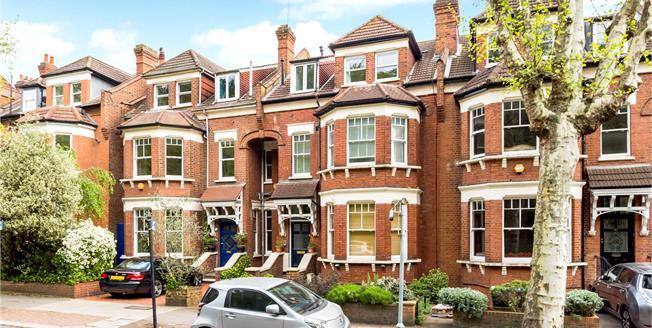 Asking Price £699,950, 3 Bedroom Maisonette For Sale in N10