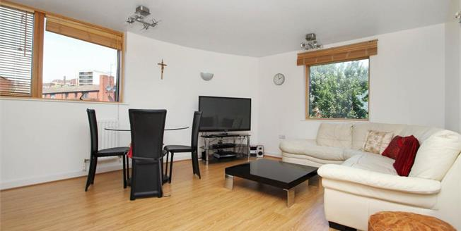 Asking Price £530,000, 2 Bedroom Flat For Sale in NW3