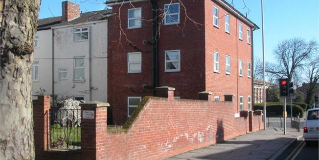 Asking Price £99,500, 3 Bedroom Flat For Sale in Prenton, CH43