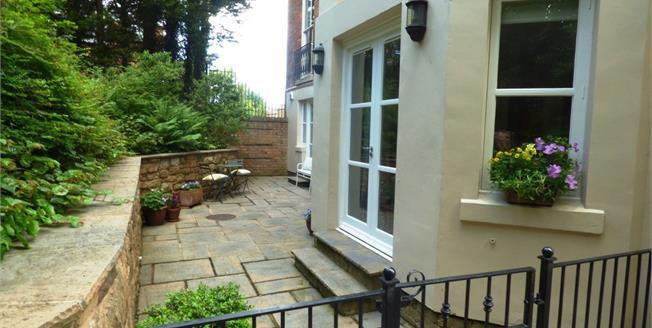Asking Price £240,000, 2 Bedroom Apartment For Sale in Prenton, CH43