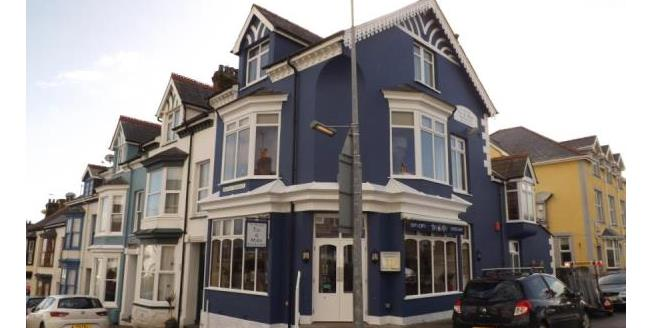 Guide Price £200,000, Commercial Property For Sale in Criccieth, LL52