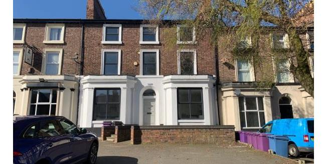 Guide Price £375,000, 6 Bedroom Terraced House For Sale in L13