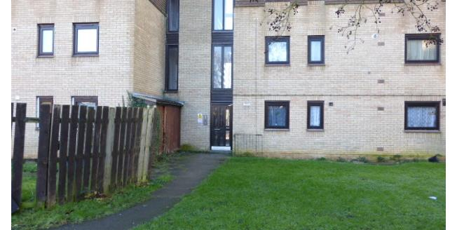 £550 per Calendar Month, 2 Bedroom Flat To Rent in Northampton, NN3