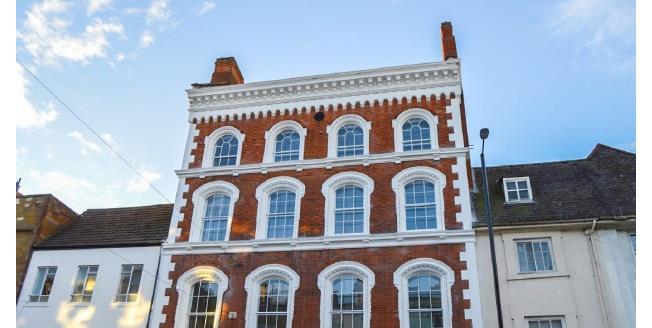 £875 per Calendar Month, 2 Bedroom Apartment To Rent in Northampton, NN1