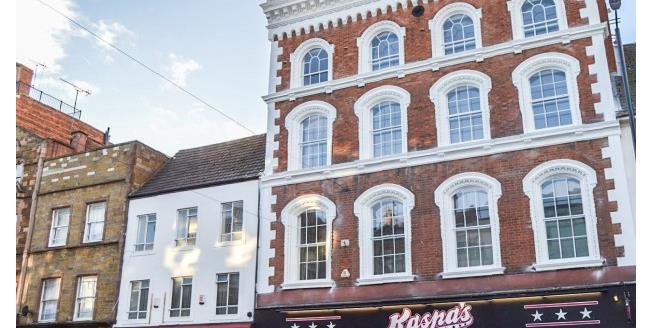 £700 per Calendar Month, Apartment To Rent in Northampton, NN1
