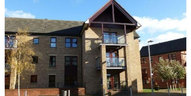 £775 per Calendar Month, 2 Bedroom Flat To Rent in Northampton, NN5