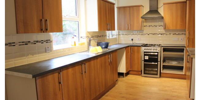 £950 per Calendar Month, 4 Bedroom Terraced House To Rent in Manchester, M16