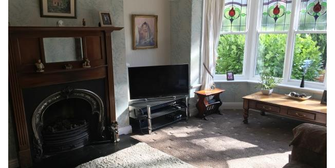 £1,000 per Calendar Month, 4 Bedroom Semi Detached House To Rent in Darlington, DL3