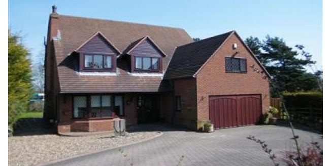 £1,100 per Calendar Month, 6 Bedroom Detached House To Rent in Ferryhill, DL17