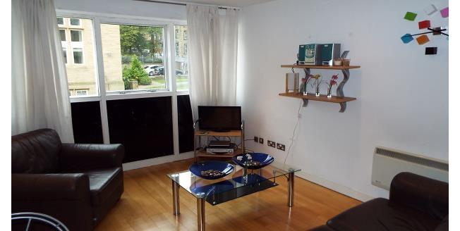 £425 per Calendar Month, 1 Bedroom Apartment To Rent in Halifax, HX1