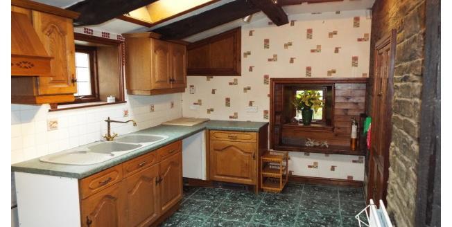 £475 per Calendar Month, 2 Bedroom To Rent in Halifax, HX1