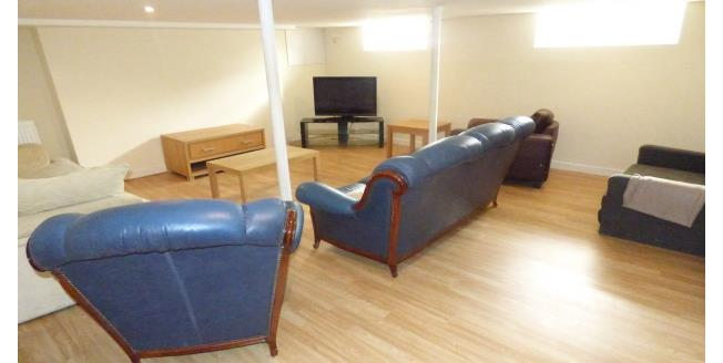 £500 per Calendar Month, 6 Bedroom Flat To Rent in Stockton-on-Tees, TS18