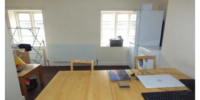£450 per Calendar Month, 3 Bedroom Apartment To Rent in Stockton-on-Tees, TS18