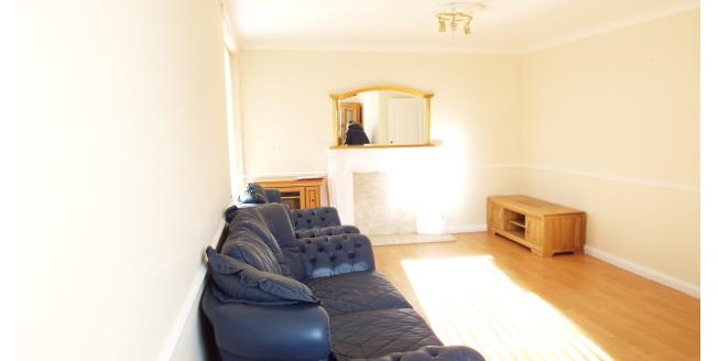 £480 per Calendar Month, 2 Bedroom Apartment To Rent in Bolton, BL1