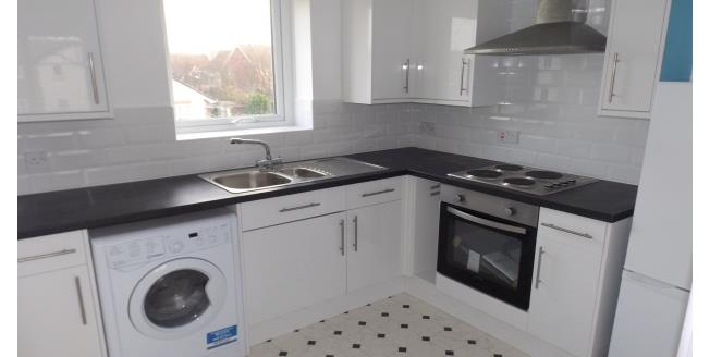 £515 per Calendar Month, 2 Bedroom Flat To Rent in Whitley Bay, NE25