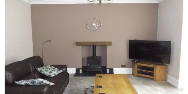 £1,150 per Calendar Month, 4 Bedroom Semi Detached House To Rent in Stalybridge, SK15