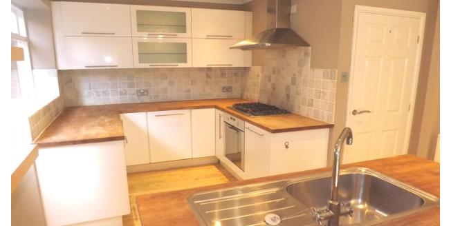 £1,100 per Calendar Month, 4 Bedroom House To Rent in Macclesfield, SK11