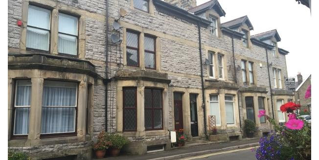 £550 per Calendar Month, 2 Bedroom Apartment To Rent in Buxton, SK17