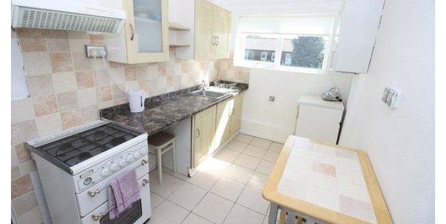 £500 per Calendar Month, 3 Bedroom Flat To Rent in Newcastle upon Tyne, NE5