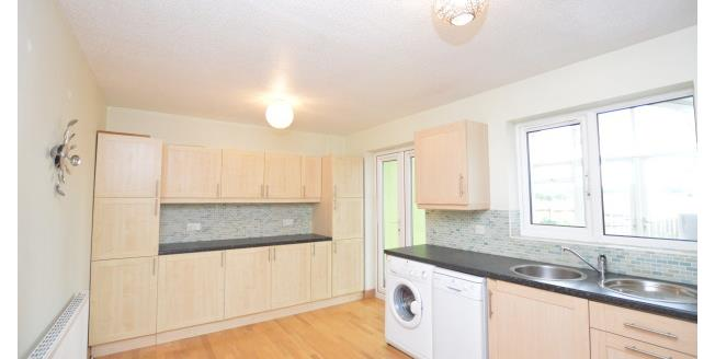 £625 per Calendar Month, 3 Bedroom Semi Detached House To Rent in Wakefield, WF1