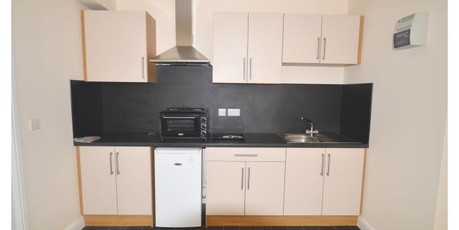 £412 per Calendar Month, To Rent in Castleford, WF10