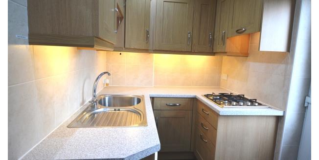 £600 per Calendar Month, 3 Bedroom House To Rent in Agbrigg, WF1