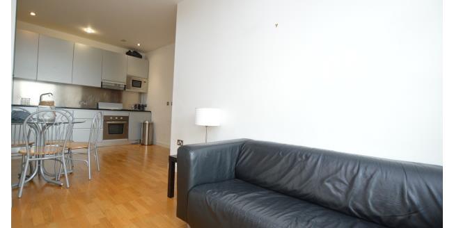 £800 per Calendar Month, 2 Bedroom Apartment To Rent in Leeds, LS9