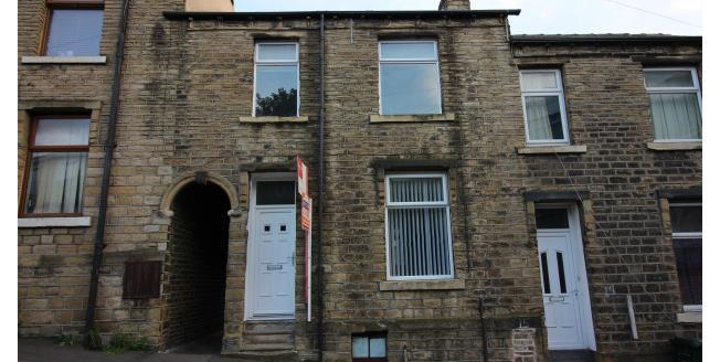 £425 per Calendar Month, 2 Bedroom House To Rent in Huddersfield, HD1