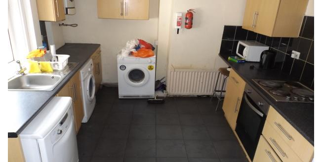 £1,690 per Calendar Month, 6 Bedroom House To Rent in Newcastle upon Tyne, NE2