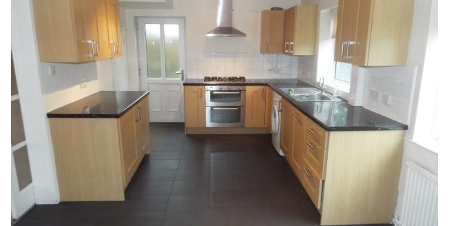 £800 per Calendar Month, 3 Bedroom Semi Detached House To Rent in Manchester, M28