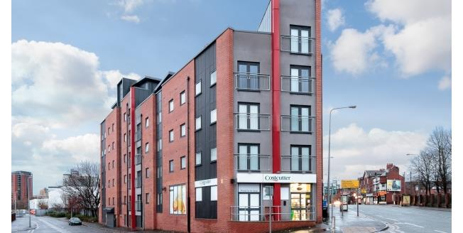 £1,175 per Calendar Month, 3 Bedroom Apartment To Rent in Salford, M3