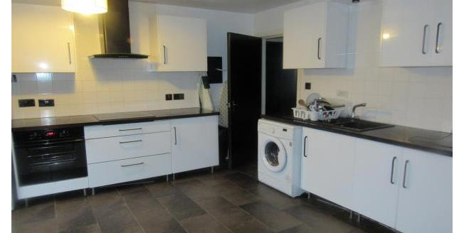 £725 per Calendar Month, 2 Bedroom Apartment To Rent in Manchester, M15