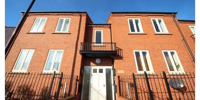 £725 per Calendar Month, 2 Bedroom Flat To Rent in York, YO31