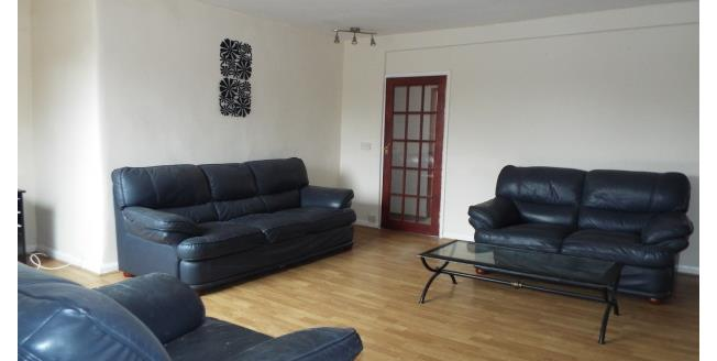£375 per Calendar Month, 2 Bedroom Flat To Rent in Meadowfield, DH7