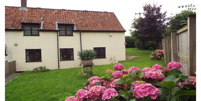£1,100 per Calendar Month, 5 Bedroom Cottage House To Rent in Thuxton, NR9