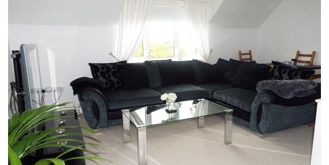 £850 per Calendar Month, 2 Bedroom Flat To Rent in Basildon, SS15