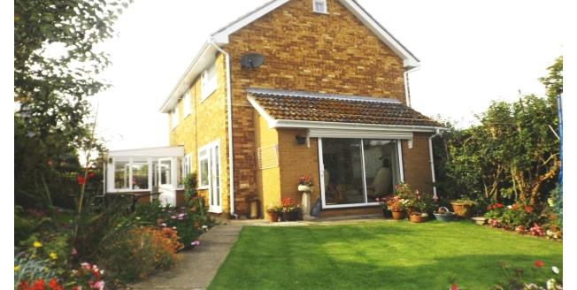 £1,095 per Calendar Month, 3 Bedroom House To Rent in Chelmsford, CM2