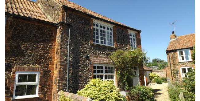 £790 per Calendar Month, 3 Bedroom Cottage House To Rent in Docking, PE31