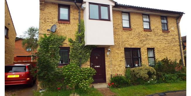 £1,050 per Calendar Month, 2 Bedroom Semi Detached House To Rent in Bracknell, RG12