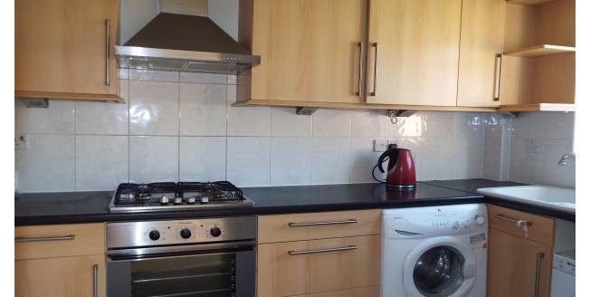 £1,350 per Calendar Month, 3 Bedroom House To Rent in Woking, GU22